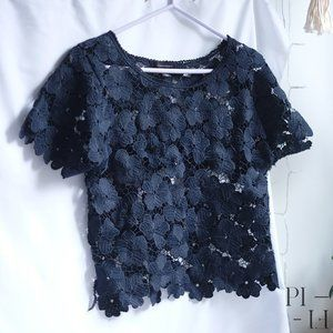 Atmosphere marine flower lace t-shirt size 2-4